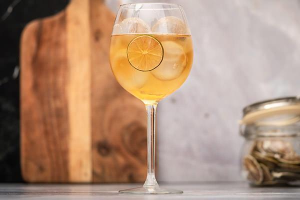 Amaro Montenegro Tonic